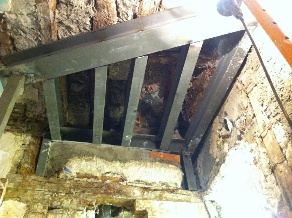 refuerzos en estructura de madera con hierro y sistema beta Estructura HB e IPN