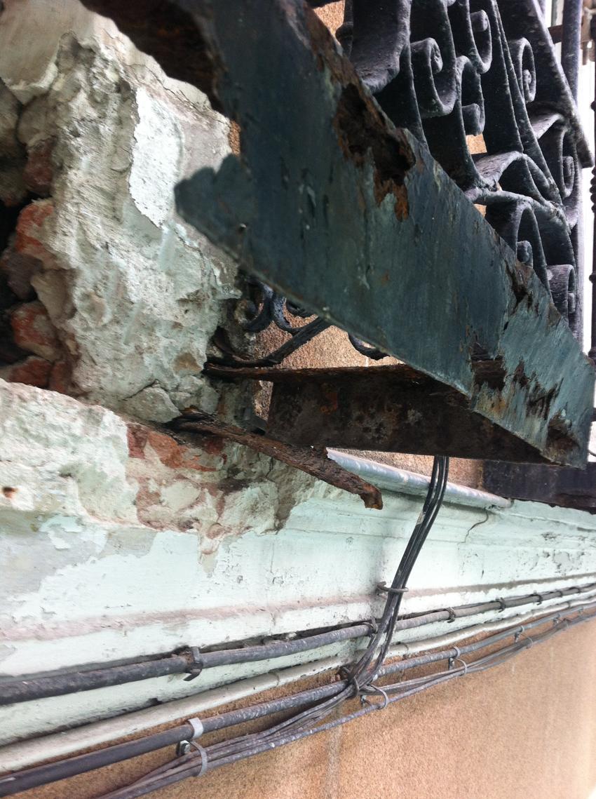 Rehabilitación-de-Edificios-Espiritu-Santo-Madrid-balcon-sni-reformar